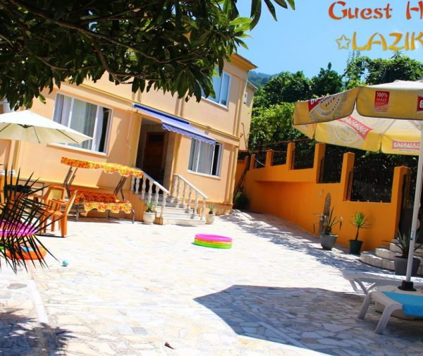 Guest House Lazika1